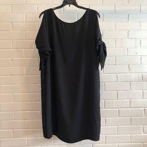 Vince Camuto Black Cold Shoulder Shift Dress, 14P